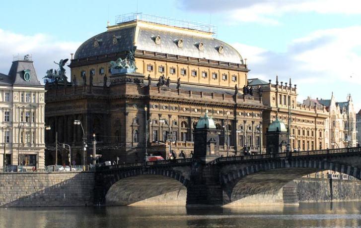Prague-National-Theatre-01-1 (1)